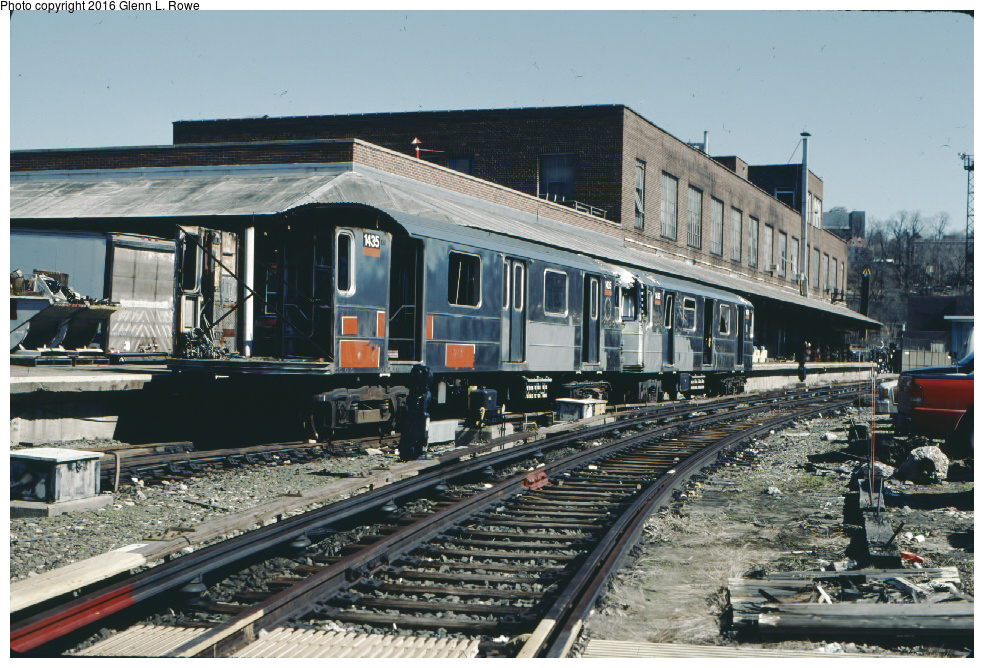 (396k, 984x668)<br><b>Country:</b> United States<br><b>City:</b> New York<br><b>System:</b> New York City Transit<br><b>Location:</b> 207th Street Yard<br><b>Car:</b> R-62 (Kawasaki, 1983-1985)  1435, 1439 <br><b>Photo by:</b> Glenn L. Rowe<br><b>Date:</b> 3/19/2001<br><b>Notes:</b> Scrapping.<br><b>Viewed (this week/total):</b> 9 / 2885
