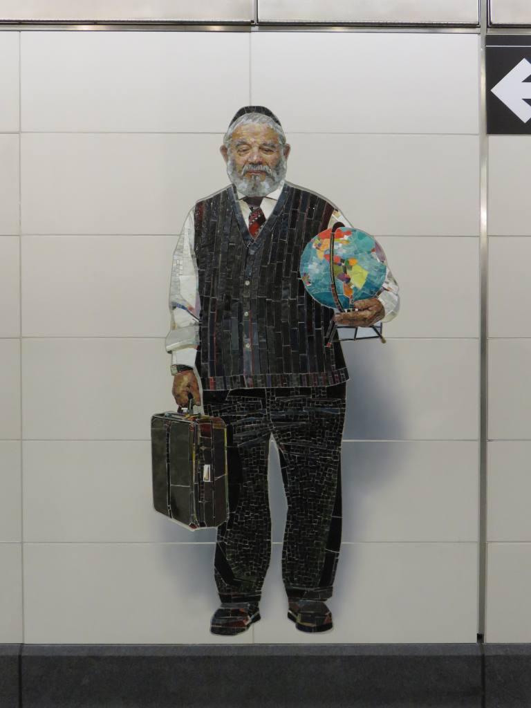 (74k, 768x1024)<br><b>Country:</b> United States<br><b>City:</b> New York<br><b>System:</b> New York City Transit<br><b>Line:</b> 2nd Avenue Subway<br><b>Location:</b> 72nd Street <br><b>Photo by:</b> Robbie Rosenfeld<br><b>Date:</b> 1/11/2017<br><b>Artwork:</b> <i>Perfect Strangers</i>, Vik Muniz (2016).<br><b>Viewed (this week/total):</b> 5 / 416