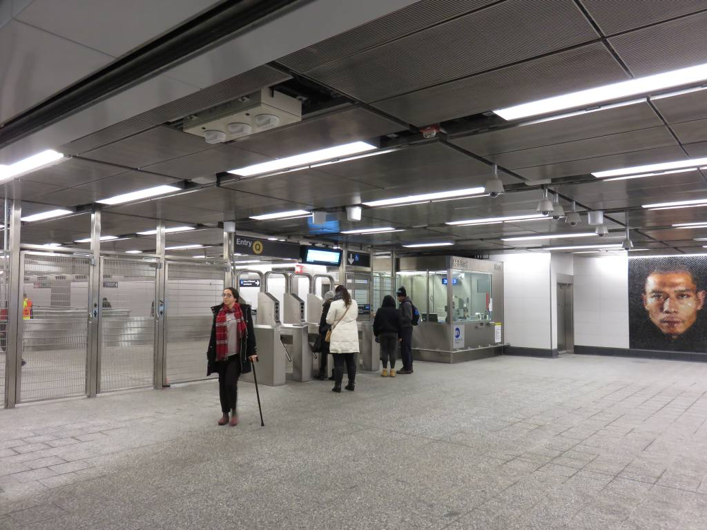 (123k, 1024x768)<br><b>Country:</b> United States<br><b>City:</b> New York<br><b>System:</b> New York City Transit<br><b>Line:</b> 2nd Avenue Subway<br><b>Location:</b> 86th Street <br><b>Photo by:</b> Robbie Rosenfeld<br><b>Date:</b> 1/11/2017<br><b>Notes:</b> Mezzanine.<br><b>Viewed (this week/total):</b> 1 / 571
