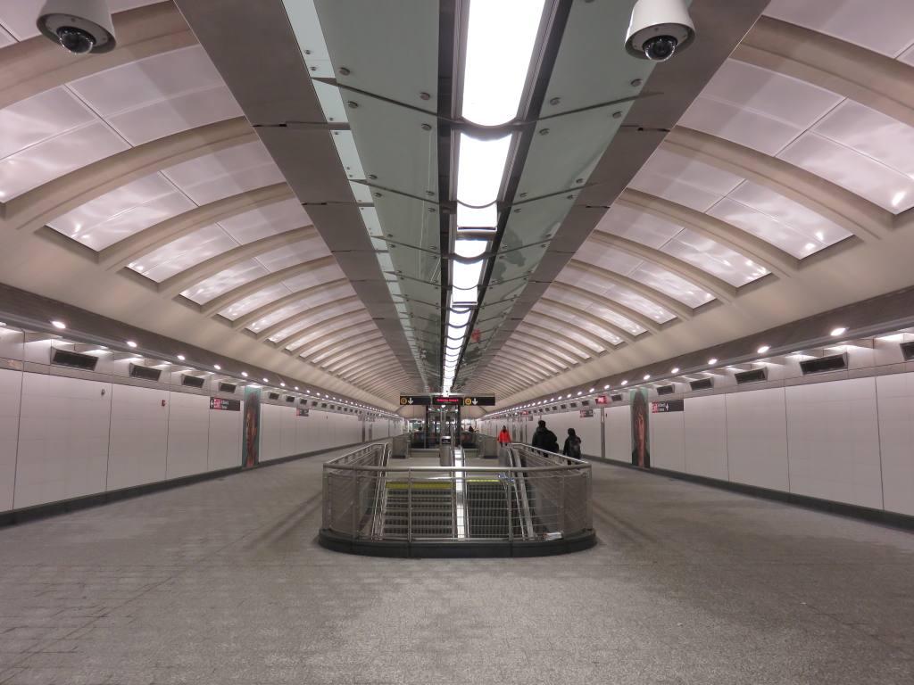 (103k, 1024x768)<br><b>Country:</b> United States<br><b>City:</b> New York<br><b>System:</b> New York City Transit<br><b>Line:</b> 2nd Avenue Subway<br><b>Location:</b> 86th Street <br><b>Photo by:</b> Robbie Rosenfeld<br><b>Date:</b> 1/11/2017<br><b>Notes:</b> Mezzanine.<br><b>Viewed (this week/total):</b> 1 / 532