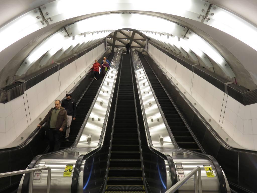 (113k, 1024x768)<br><b>Country:</b> United States<br><b>City:</b> New York<br><b>System:</b> New York City Transit<br><b>Line:</b> 2nd Avenue Subway<br><b>Location:</b> 86th Street <br><b>Photo by:</b> Robbie Rosenfeld<br><b>Date:</b> 1/11/2017<br><b>Notes:</b> Main escalator bank.<br><b>Viewed (this week/total):</b> 2 / 599