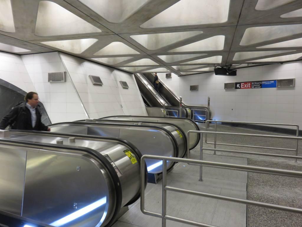 (108k, 1024x768)<br><b>Country:</b> United States<br><b>City:</b> New York<br><b>System:</b> New York City Transit<br><b>Line:</b> 2nd Avenue Subway<br><b>Location:</b> 86th Street <br><b>Photo by:</b> Robbie Rosenfeld<br><b>Date:</b> 1/11/2017<br><b>Notes:</b> Main escalator bank.<br><b>Viewed (this week/total):</b> 0 / 533
