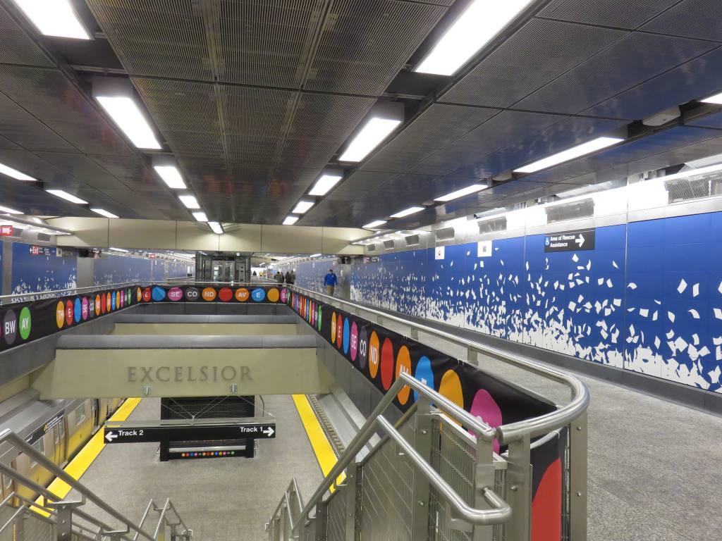 (147k, 1024x768)<br><b>Country:</b> United States<br><b>City:</b> New York<br><b>System:</b> New York City Transit<br><b>Line:</b> 2nd Avenue Subway<br><b>Location:</b> 96th Street <br><b>Photo by:</b> Robbie Rosenfeld<br><b>Date:</b> 1/11/2017<br><b>Notes:</b> Mezzanine.<br><b>Viewed (this week/total):</b> 1 / 639