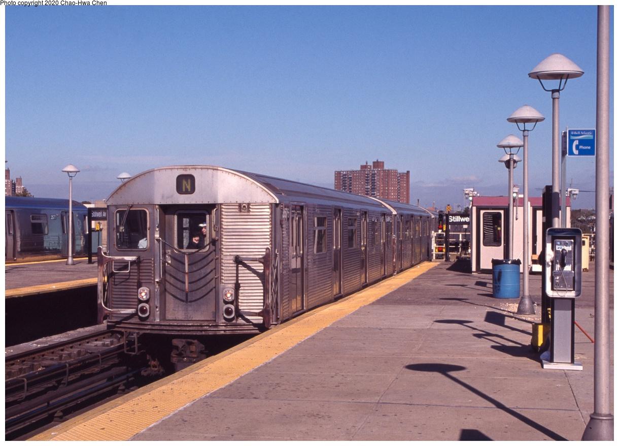 (270k, 1044x752)<br><b>Country:</b> United States<br><b>City:</b> New York<br><b>System:</b> New York City Transit<br><b>Location:</b> Coney Island/Stillwell Avenue<br><b>Route:</b> N<br><b>Car:</b> R-32 (Budd, 1964)  3576 <br><b>Photo by:</b> Chao-Hwa Chen<br><b>Date:</b> 10/16/1999<br><b>Viewed (this week/total):</b> 4 / 863
