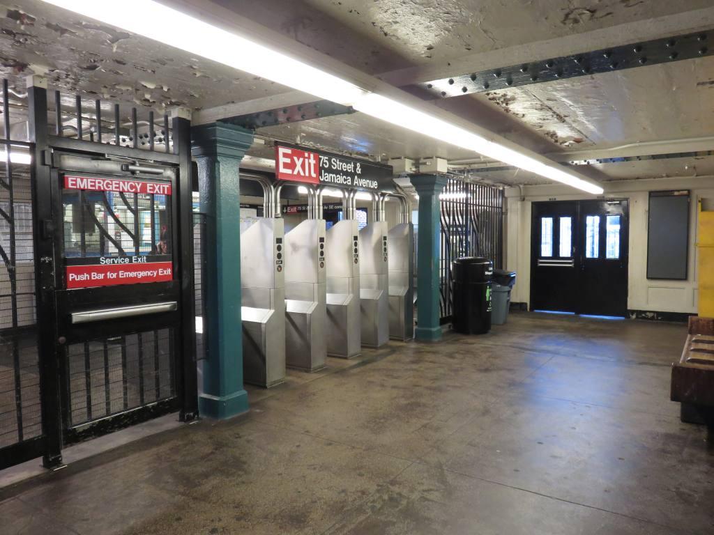 (126k, 1024x768)<br><b>Country:</b> United States<br><b>City:</b> New York<br><b>System:</b> New York City Transit<br><b>Line:</b> BMT Nassau Street-Jamaica Line<br><b>Location:</b> 75th Street/Elderts Lane<br><b>Photo by:</b> Robbie Rosenfeld<br><b>Date:</b> 2/23/2017<br><b>Viewed (this week/total):</b> 2 / 719