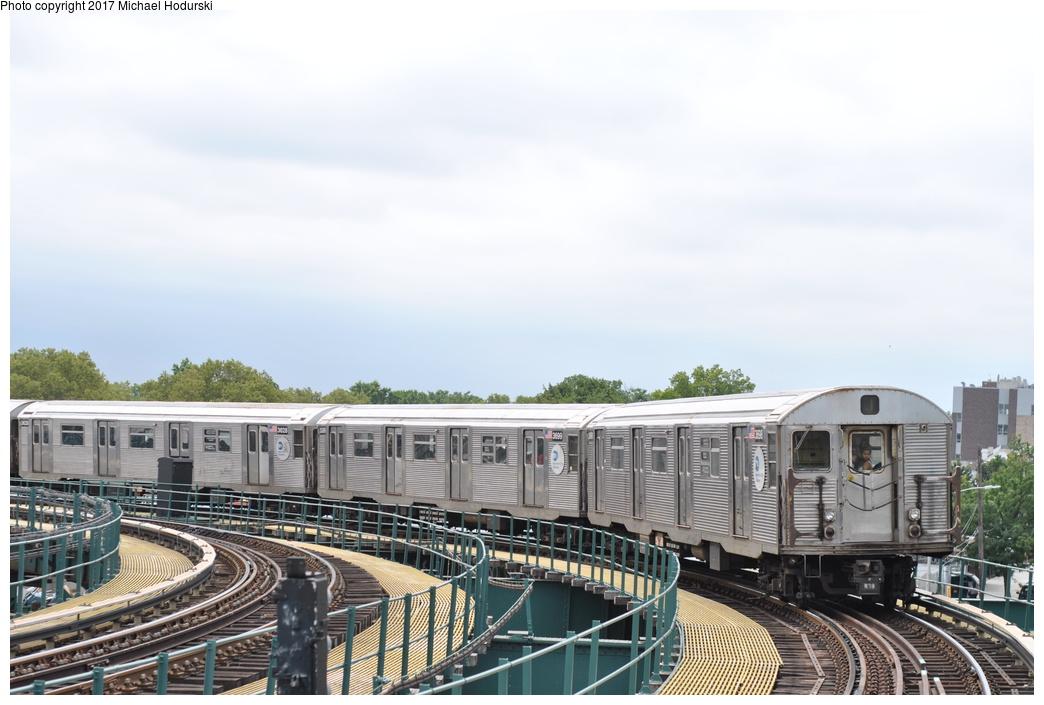 (245k, 1044x705)<br><b>Country:</b> United States<br><b>City:</b> New York<br><b>System:</b> New York City Transit<br><b>Line:</b> BMT Nassau Street/Jamaica Line<br><b>Location:</b> Cypress Hills <br><b>Route:</b> J<br><b>Car:</b> R-32 (Budd, 1964)  3698 <br><b>Photo by:</b> Michael Hodurski<br><b>Date:</b> 7/25/2017<br><b>Viewed (this week/total):</b> 1 / 633