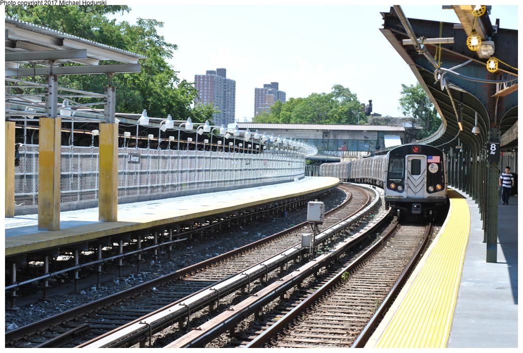 (468k, 1044x705)<br><b>Country:</b> United States<br><b>City:</b> New York<br><b>System:</b> New York City Transit<br><b>Line:</b> BMT Sea Beach Line<br><b>Location:</b> 8th Avenue <br><b>Route:</b> N<br><b>Car:</b> R-160B (Option 1) (Kawasaki, 2008-2009)  9152 <br><b>Photo by:</b> Michael Hodurski<br><b>Date:</b> 7/18/2017<br><b>Viewed (this week/total):</b> 2 / 1084