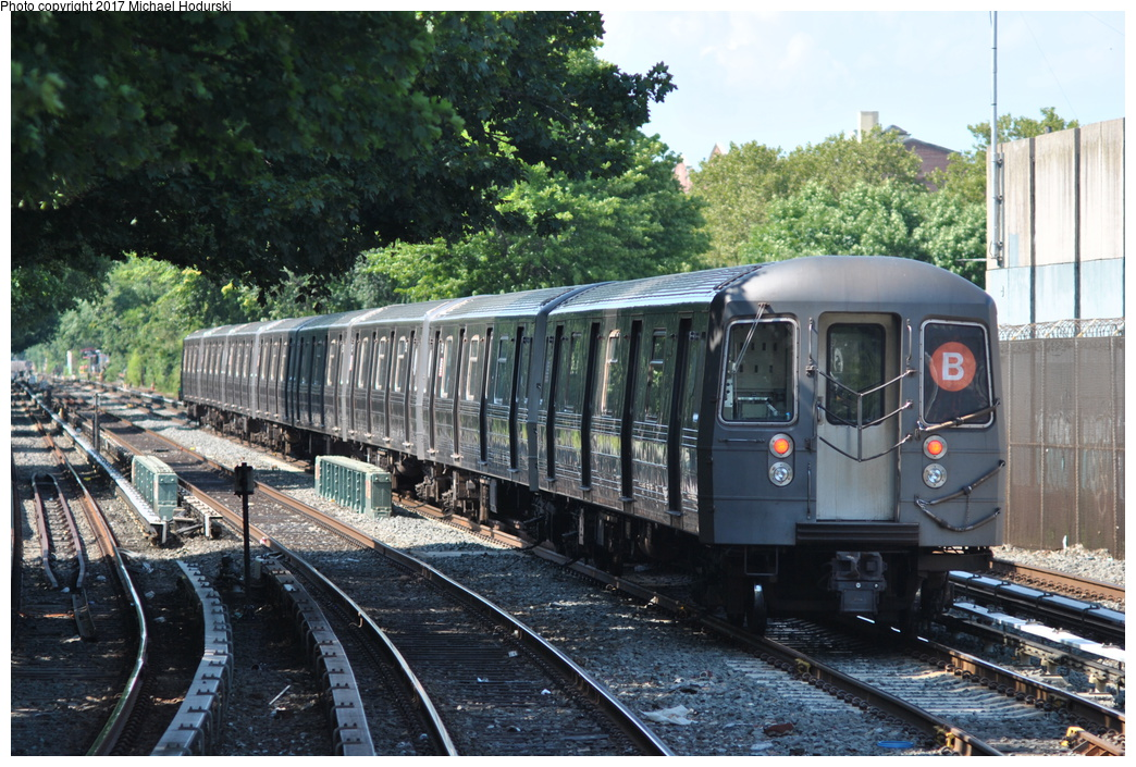 (428k, 1044x705)<br><b>Country:</b> United States<br><b>City:</b> New York<br><b>System:</b> New York City Transit<br><b>Line:</b> BMT Brighton Line<br><b>Location:</b> Kings Highway <br><b>Route:</b> B<br><b>Car:</b> R-68A (Kawasaki, 1988-1989)  5132 <br><b>Photo by:</b> Michael Hodurski<br><b>Date:</b> 7/18/2017<br><b>Viewed (this week/total):</b> 0 / 653