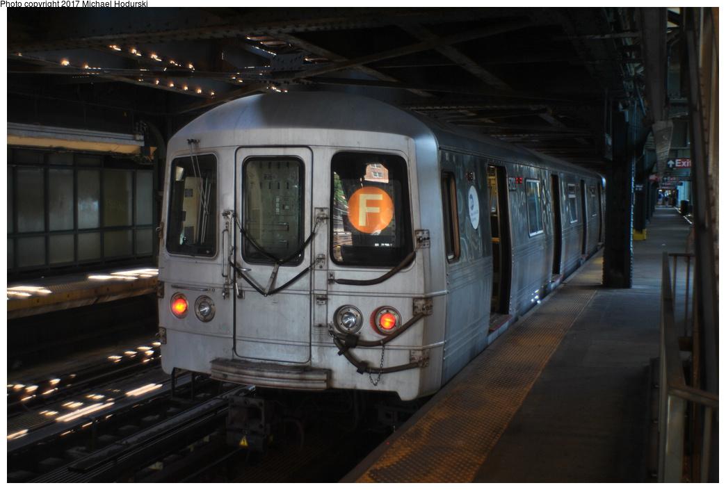 (286k, 1044x705)<br><b>Country:</b> United States<br><b>City:</b> New York<br><b>System:</b> New York City Transit<br><b>Line:</b> BMT Culver Line<br><b>Location:</b> West 8th Street <br><b>Route:</b> F<br><b>Car:</b> R-46 (Pullman-Standard, 1974-75) 5722 <br><b>Photo by:</b> Michael Hodurski<br><b>Date:</b> 7/18/2017<br><b>Viewed (this week/total):</b> 0 / 853