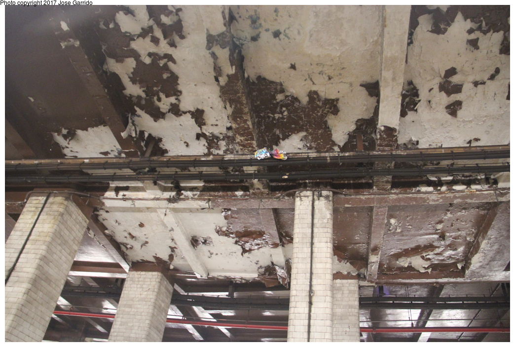 (318k, 1044x703)<br><b>Country:</b> United States<br><b>City:</b> New York<br><b>System:</b> New York City Transit<br><b>Line:</b> BMT Nassau Street/Jamaica Line<br><b>Location:</b> Chambers Street <br><b>Photo by:</b> Jose Garrido<br><b>Date:</b> 10/28/2016<br><b>Viewed (this week/total):</b> 1 / 725