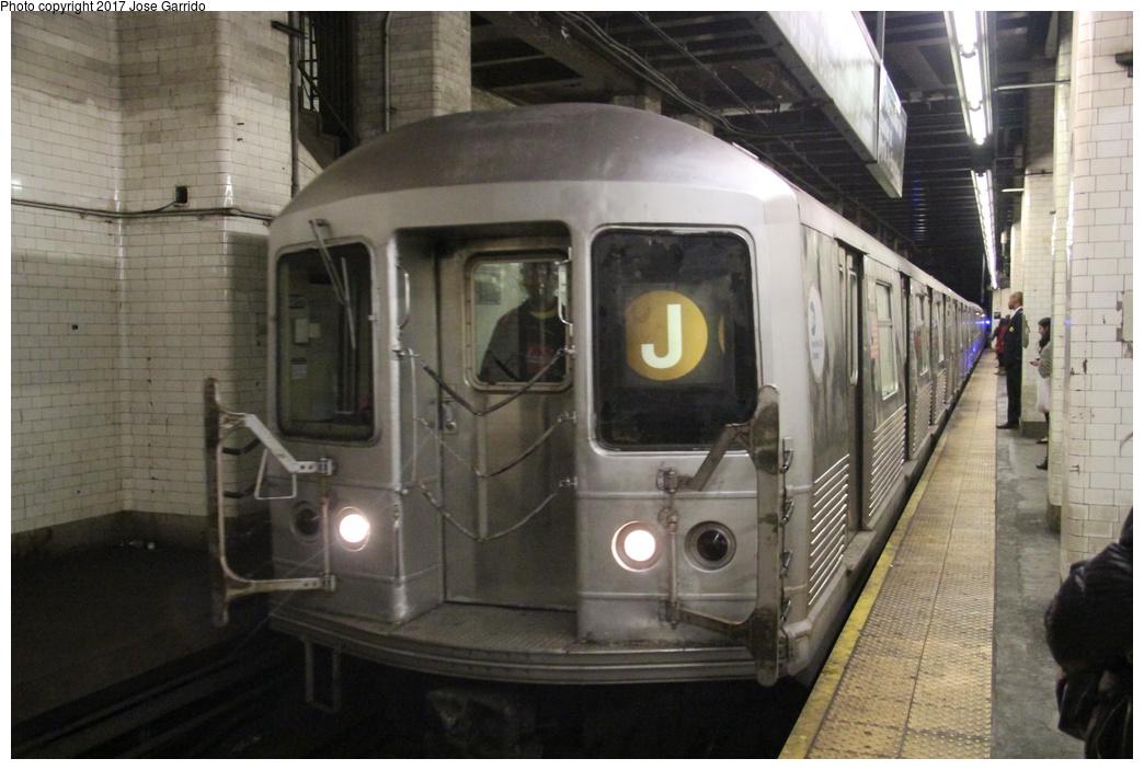 (278k, 1044x703)<br><b>Country:</b> United States<br><b>City:</b> New York<br><b>System:</b> New York City Transit<br><b>Line:</b> BMT Nassau Street/Jamaica Line<br><b>Location:</b> Chambers Street <br><b>Route:</b> J<br><b>Car:</b> R-42 (St. Louis, 1969-1970)  4817 <br><b>Photo by:</b> Jose Garrido<br><b>Date:</b> 10/28/2016<br><b>Viewed (this week/total):</b> 2 / 644