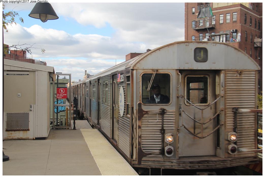 (276k, 1044x703)<br><b>Country:</b> United States<br><b>City:</b> New York<br><b>System:</b> New York City Transit<br><b>Line:</b> BMT Nassau Street/Jamaica Line<br><b>Location:</b> Lorimer Street <br><b>Route:</b> J<br><b>Car:</b> R-32 (Budd, 1964)  3925 <br><b>Photo by:</b> Jose Garrido<br><b>Date:</b> 10/28/2016<br><b>Viewed (this week/total):</b> 1 / 537