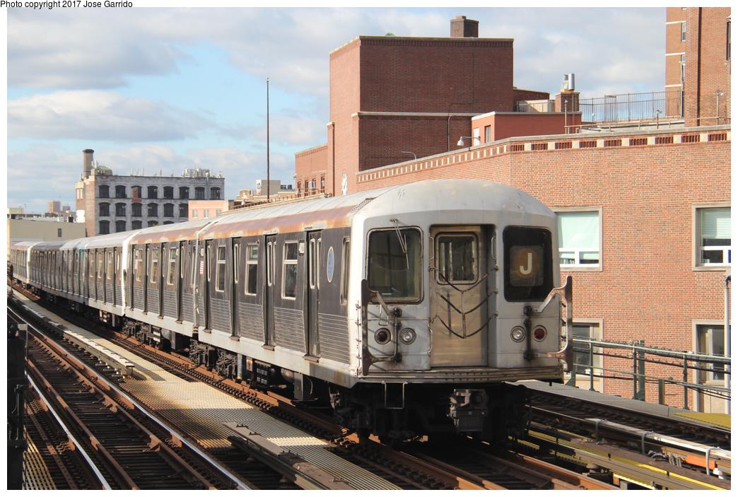 (367k, 1044x703)<br><b>Country:</b> United States<br><b>City:</b> New York<br><b>System:</b> New York City Transit<br><b>Line:</b> BMT Nassau Street/Jamaica Line<br><b>Location:</b> Lorimer Street <br><b>Route:</b> J<br><b>Car:</b> R-42 (St. Louis, 1969-1970)  4820 <br><b>Photo by:</b> Jose Garrido<br><b>Date:</b> 10/28/2016<br><b>Viewed (this week/total):</b> 0 / 449