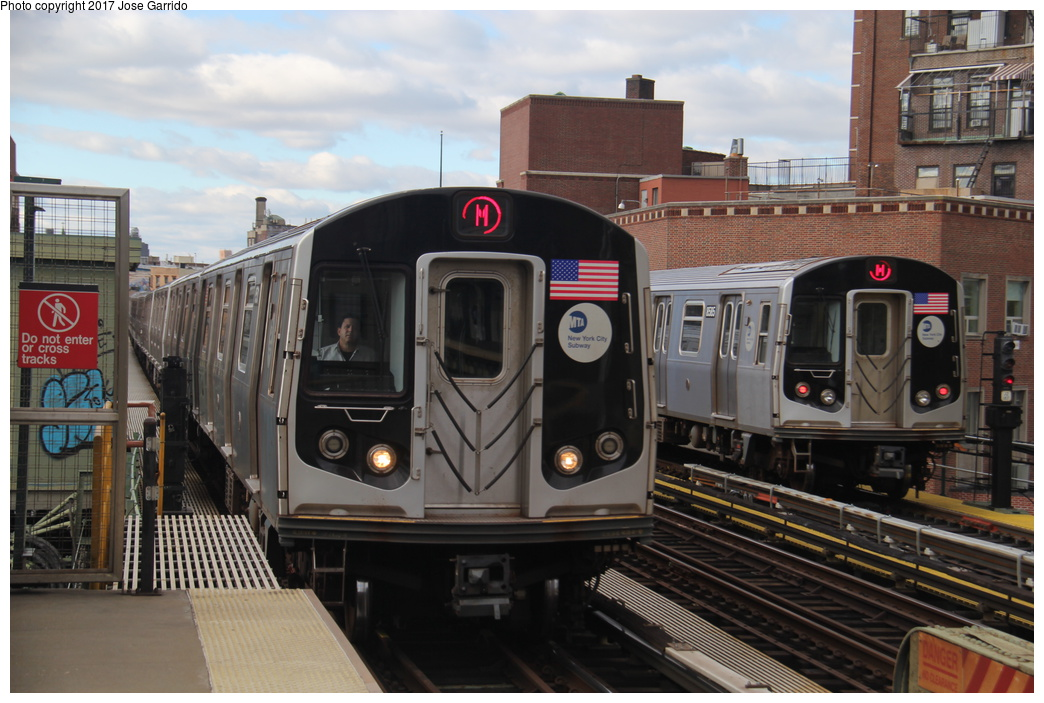 (306k, 1044x703)<br><b>Country:</b> United States<br><b>City:</b> New York<br><b>System:</b> New York City Transit<br><b>Line:</b> BMT Nassau Street/Jamaica Line<br><b>Location:</b> Lorimer Street <br><b>Route:</b> M<br><b>Car:</b> R-160A-1 (Alstom, 2005-2008, 4 car sets)  8585 <br><b>Photo by:</b> Jose Garrido<br><b>Date:</b> 10/28/2016<br><b>Viewed (this week/total):</b> 0 / 411