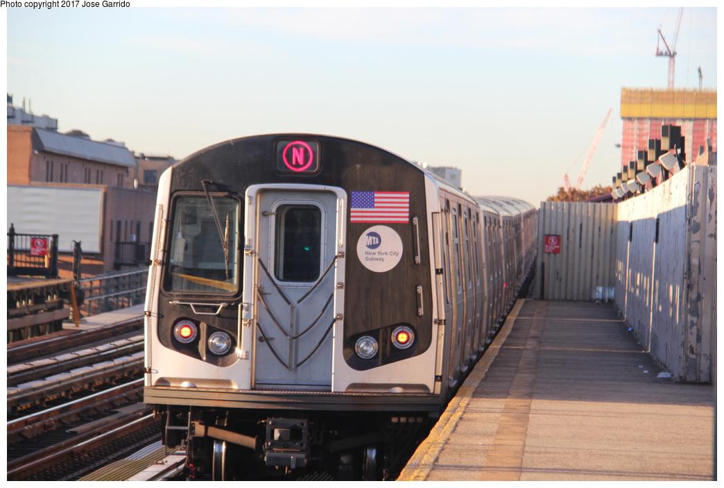 (255k, 1044x703)<br><b>Country:</b> United States<br><b>City:</b> New York<br><b>System:</b> New York City Transit<br><b>Line:</b> BMT Astoria Line<br><b>Location:</b> Broadway <br><b>Route:</b> N<br><b>Car:</b> R-160A-2 (Alstom, 2005-2008, 5 car sets)  8663 <br><b>Photo by:</b> Jose Garrido<br><b>Date:</b> 11/8/2016<br><b>Viewed (this week/total):</b> 0 / 512
