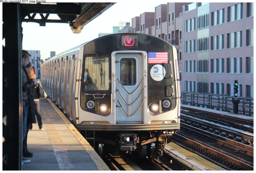 (336k, 1044x703)<br><b>Country:</b> United States<br><b>City:</b> New York<br><b>System:</b> New York City Transit<br><b>Line:</b> BMT Astoria Line<br><b>Location:</b> Broadway <br><b>Route:</b> W<br><b>Car:</b> R-160B (Option 1) (Kawasaki, 2008-2009)  9112 <br><b>Photo by:</b> Jose Garrido<br><b>Date:</b> 11/8/2016<br><b>Viewed (this week/total):</b> 0 / 598