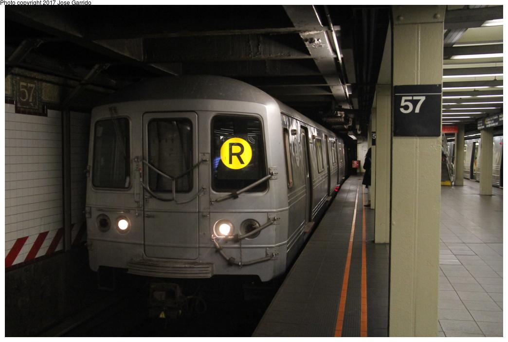 (229k, 1044x703)<br><b>Country:</b> United States<br><b>City:</b> New York<br><b>System:</b> New York City Transit<br><b>Line:</b> BMT Broadway Line<br><b>Location:</b> 57th Street <br><b>Route:</b> R<br><b>Car:</b> R-46 (Pullman-Standard, 1974-75) 5508 <br><b>Photo by:</b> Jose Garrido<br><b>Date:</b> 11/8/2016<br><b>Viewed (this week/total):</b> 2 / 726