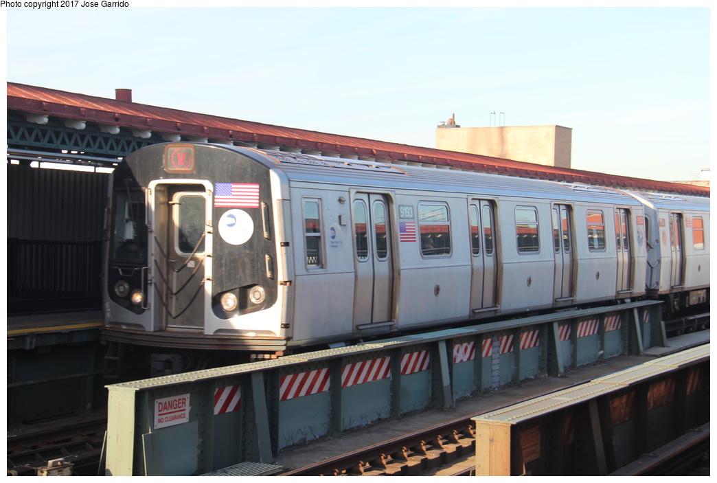 (248k, 1044x703)<br><b>Country:</b> United States<br><b>City:</b> New York<br><b>System:</b> New York City Transit<br><b>Line:</b> BMT Astoria Line<br><b>Location:</b> 39th/Beebe Aves. <br><b>Route:</b> W<br><b>Car:</b> R-160B (Option 1) (Kawasaki, 2008-2009)  9193 <br><b>Photo by:</b> Jose Garrido<br><b>Date:</b> 11/8/2016<br><b>Viewed (this week/total):</b> 2 / 565