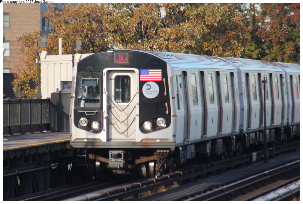 (339k, 1044x703)<br><b>Country:</b> United States<br><b>City:</b> New York<br><b>System:</b> New York City Transit<br><b>Line:</b> BMT Astoria Line<br><b>Location:</b> 36th/Washington Aves. <br><b>Route:</b> N<br><b>Car:</b> R-160B (Option 1) (Kawasaki, 2008-2009)  9173 <br><b>Photo by:</b> Jose Garrido<br><b>Date:</b> 11/8/2016<br><b>Viewed (this week/total):</b> 0 / 422
