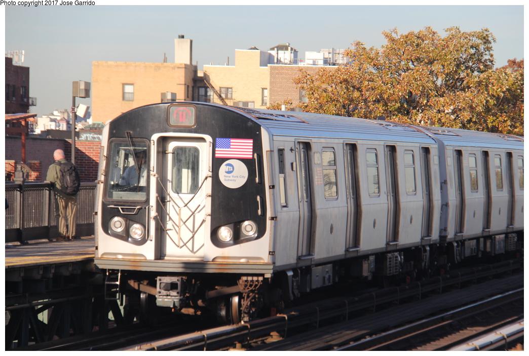 (324k, 1044x703)<br><b>Country:</b> United States<br><b>City:</b> New York<br><b>System:</b> New York City Transit<br><b>Line:</b> BMT Astoria Line<br><b>Location:</b> 36th/Washington Aves. <br><b>Route:</b> W<br><b>Car:</b> R-160B (Kawasaki, 2005-2008)  8823 <br><b>Photo by:</b> Jose Garrido<br><b>Date:</b> 11/8/2016<br><b>Viewed (this week/total):</b> 0 / 460