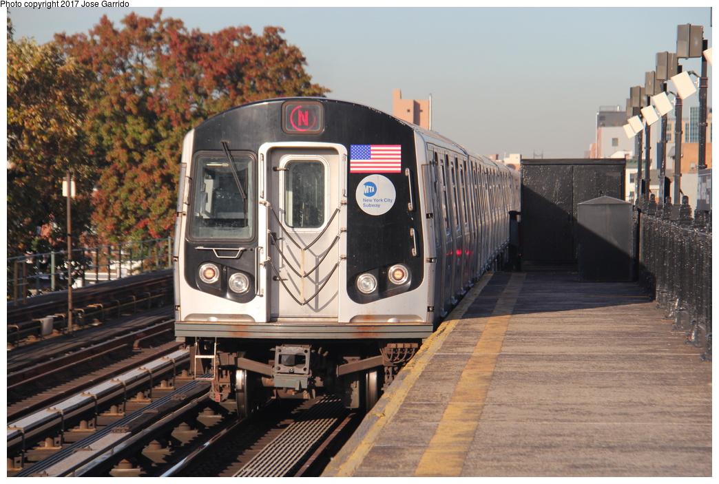 (347k, 1044x703)<br><b>Country:</b> United States<br><b>City:</b> New York<br><b>System:</b> New York City Transit<br><b>Line:</b> BMT Astoria Line<br><b>Location:</b> 36th/Washington Aves. <br><b>Route:</b> N<br><b>Car:</b> R-160B (Kawasaki, 2005-2008)  8857 <br><b>Photo by:</b> Jose Garrido<br><b>Date:</b> 11/8/2016<br><b>Viewed (this week/total):</b> 0 / 464