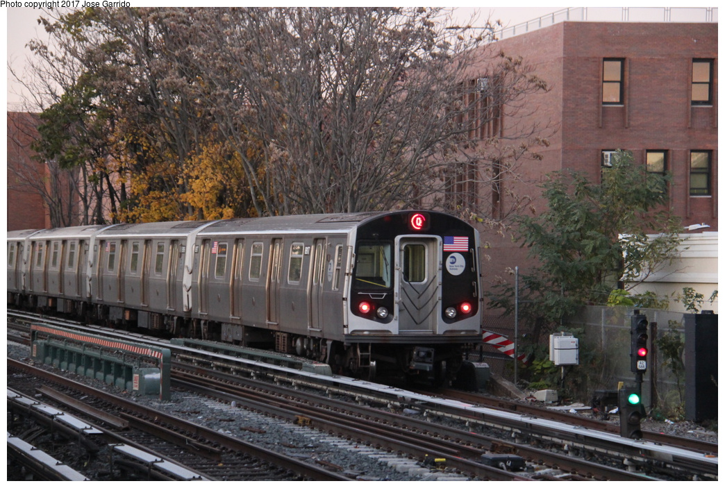 (380k, 1044x703)<br><b>Country:</b> United States<br><b>City:</b> New York<br><b>System:</b> New York City Transit<br><b>Line:</b> BMT Brighton Line<br><b>Location:</b> Avenue M <br><b>Route:</b> Q<br><b>Car:</b> R-160B (Kawasaki, 2005-2008)  8917 <br><b>Photo by:</b> Jose Garrido<br><b>Date:</b> 11/10/2016<br><b>Viewed (this week/total):</b> 1 / 499