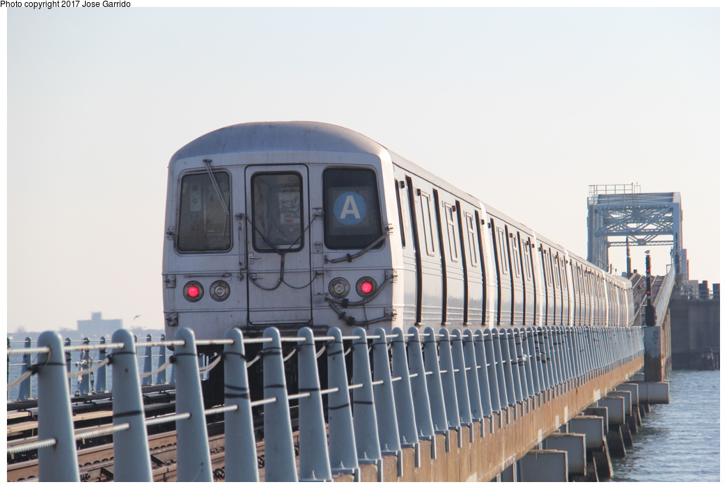 (237k, 1044x703)<br><b>Country:</b> United States<br><b>City:</b> New York<br><b>System:</b> New York City Transit<br><b>Line:</b> IND Rockaway<br><b>Location:</b> Howard Beach <br><b>Route:</b> A<br><b>Car:</b> R-46 (Pullman-Standard, 1974-75) 5890 <br><b>Photo by:</b> Jose Garrido<br><b>Date:</b> 11/17/2016<br><b>Viewed (this week/total):</b> 2 / 534