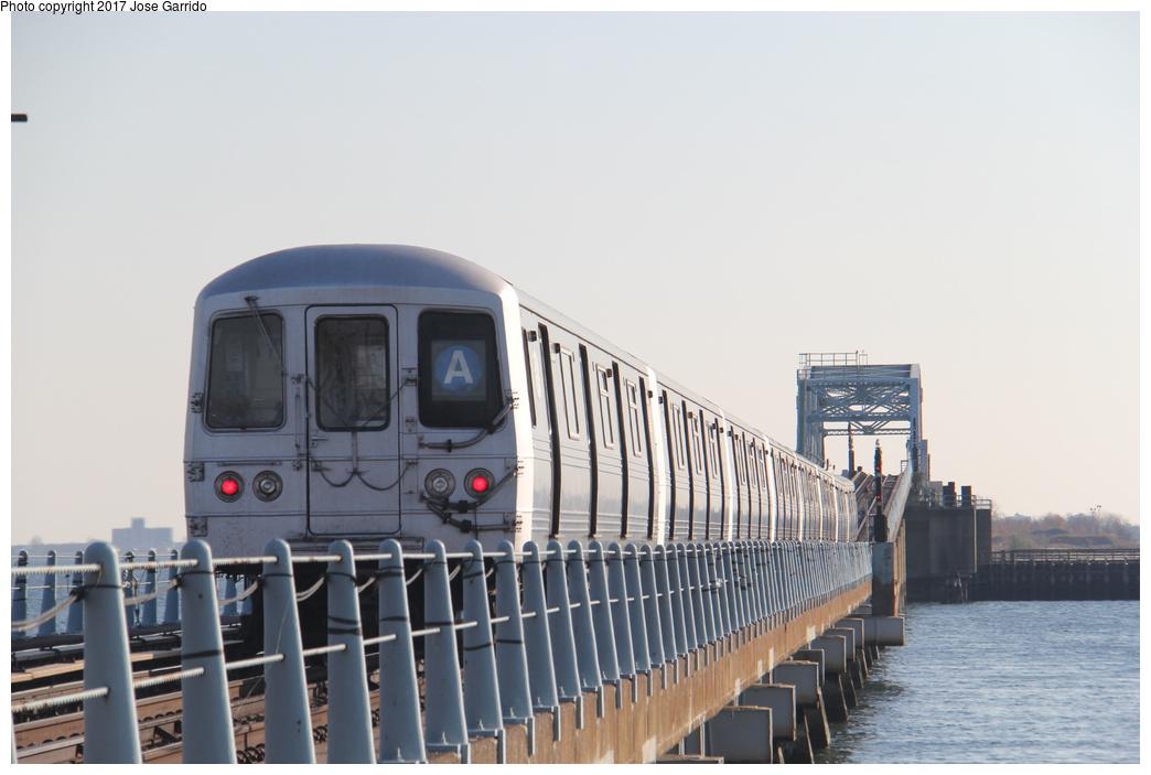 (219k, 1044x703)<br><b>Country:</b> United States<br><b>City:</b> New York<br><b>System:</b> New York City Transit<br><b>Line:</b> IND Rockaway<br><b>Location:</b> Howard Beach <br><b>Route:</b> A<br><b>Car:</b> R-46 (Pullman-Standard, 1974-75) 5860 <br><b>Photo by:</b> Jose Garrido<br><b>Date:</b> 11/17/2016<br><b>Viewed (this week/total):</b> 0 / 523