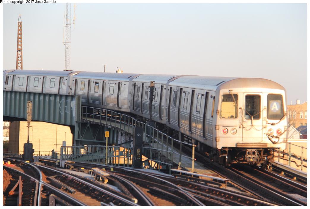(273k, 1044x703)<br><b>Country:</b> United States<br><b>City:</b> New York<br><b>System:</b> New York City Transit<br><b>Line:</b> IND Fulton Street Line<br><b>Location:</b> Rockaway Boulevard <br><b>Route:</b> A<br><b>Car:</b> R-46 (Pullman-Standard, 1974-75) 5876 <br><b>Photo by:</b> Jose Garrido<br><b>Date:</b> 11/17/2016<br><b>Viewed (this week/total):</b> 0 / 618
