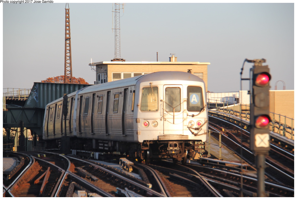 (258k, 1044x703)<br><b>Country:</b> United States<br><b>City:</b> New York<br><b>System:</b> New York City Transit<br><b>Line:</b> IND Fulton Street Line<br><b>Location:</b> Rockaway Boulevard <br><b>Route:</b> A<br><b>Car:</b> R-46 (Pullman-Standard, 1974-75) 5968 <br><b>Photo by:</b> Jose Garrido<br><b>Date:</b> 11/17/2016<br><b>Viewed (this week/total):</b> 0 / 493