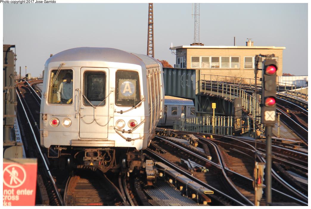 (310k, 1044x703)<br><b>Country:</b> United States<br><b>City:</b> New York<br><b>System:</b> New York City Transit<br><b>Line:</b> IND Fulton Street Line<br><b>Location:</b> Rockaway Boulevard <br><b>Route:</b> A<br><b>Car:</b> R-46 (Pullman-Standard, 1974-75) 5944 <br><b>Photo by:</b> Jose Garrido<br><b>Date:</b> 11/17/2016<br><b>Viewed (this week/total):</b> 0 / 612
