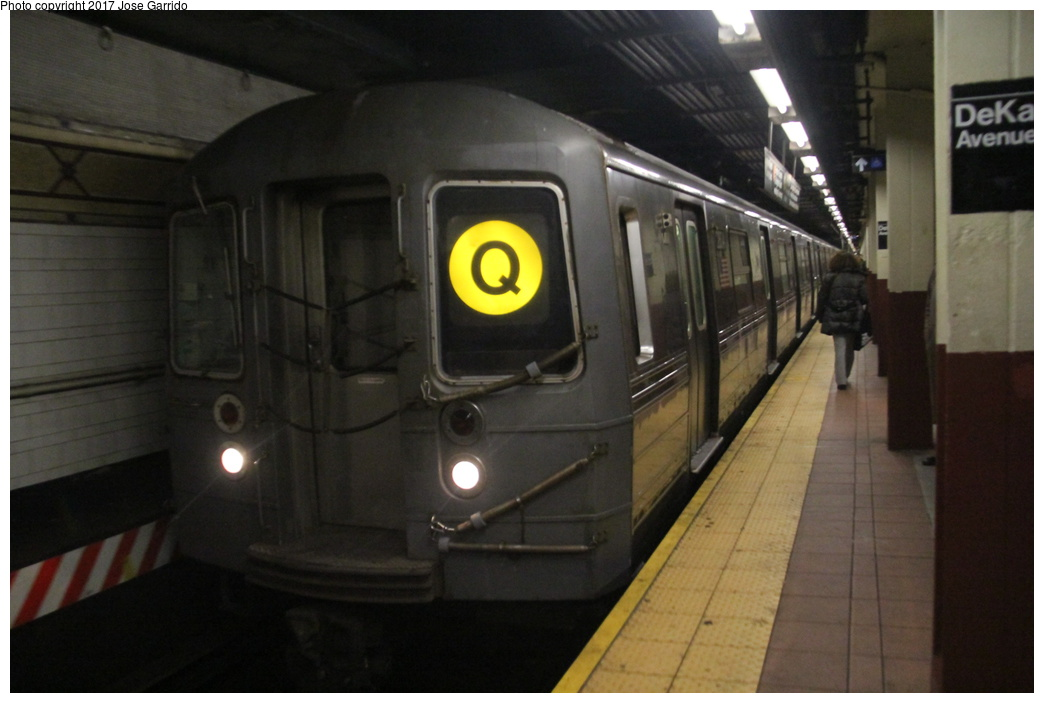 (230k, 1044x703)<br><b>Country:</b> United States<br><b>City:</b> New York<br><b>System:</b> New York City Transit<br><b>Location:</b> DeKalb Avenue<br><b>Route:</b> Q<br><b>Car:</b> R-68 (Westinghouse-Amrail, 1986-1988)  2804 <br><b>Photo by:</b> Jose Garrido<br><b>Date:</b> 12/2/2016<br><b>Viewed (this week/total):</b> 1 / 746