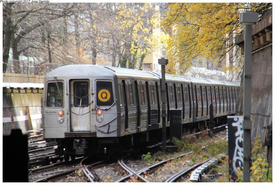 (400k, 1044x703)<br><b>Country:</b> United States<br><b>City:</b> New York<br><b>System:</b> New York City Transit<br><b>Line:</b> BMT Brighton Line<br><b>Location:</b> Prospect Park <br><b>Route:</b> Q<br><b>Car:</b> R-68 (Westinghouse-Amrail, 1986-1988)  2782 <br><b>Photo by:</b> Jose Garrido<br><b>Date:</b> 12/2/2016<br><b>Viewed (this week/total):</b> 1 / 798