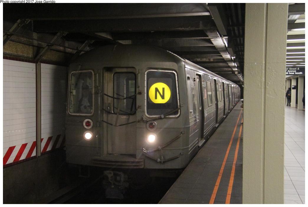 (243k, 1044x703)<br><b>Country:</b> United States<br><b>City:</b> New York<br><b>System:</b> New York City Transit<br><b>Line:</b> BMT Broadway Line<br><b>Location:</b> 57th Street <br><b>Route:</b> N<br><b>Car:</b> R-68 (Westinghouse-Amrail, 1986-1988)  2854 <br><b>Photo by:</b> Jose Garrido<br><b>Date:</b> 12/2/2016<br><b>Viewed (this week/total):</b> 3 / 770