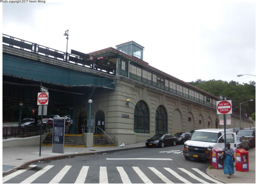 (240k, 1044x751)<br><b>Country:</b> United States<br><b>City:</b> New York<br><b>System:</b> New York City Transit<br><b>Line:</b> IRT West Side Line<br><b>Location:</b> Dyckman Street<br><b>Photo by:</b> Kevin Wong<br><b>Date:</b> 8/5/2017<br><b>Viewed (this week/total):</b> 0 / 862