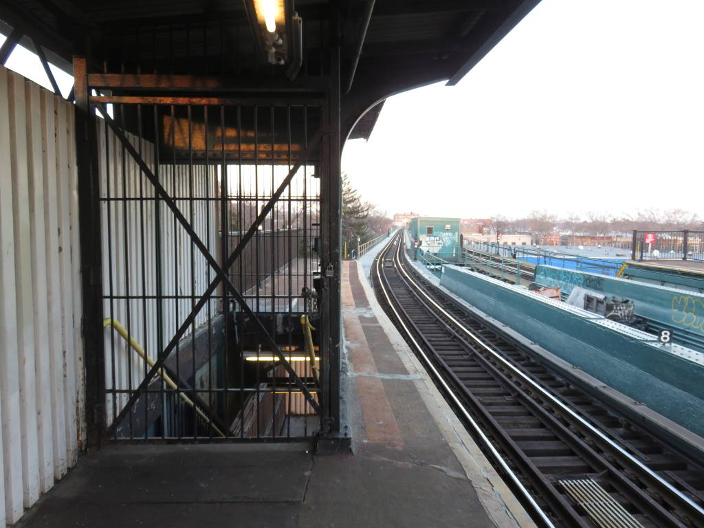 (118k, 1024x768)<br><b>Country:</b> United States<br><b>City:</b> New York<br><b>System:</b> New York City Transit<br><b>Line:</b> BMT Nassau Street-Jamaica Line<br><b>Location:</b> Cypress Hills<br><b>Photo by:</b> Robbie Rosenfeld<br><b>Date:</b> 2/23/2017<br><b>Viewed (this week/total):</b> 0 / 700