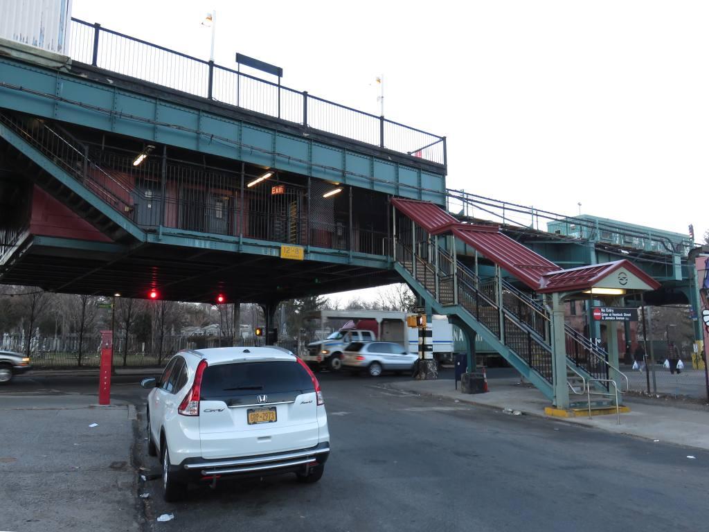 (116k, 1024x768)<br><b>Country:</b> United States<br><b>City:</b> New York<br><b>System:</b> New York City Transit<br><b>Line:</b> BMT Nassau Street/Jamaica Line<br><b>Location:</b> Cypress Hills <br><b>Photo by:</b> Robbie Rosenfeld<br><b>Date:</b> 2/23/2017<br><b>Viewed (this week/total):</b> 2 / 667
