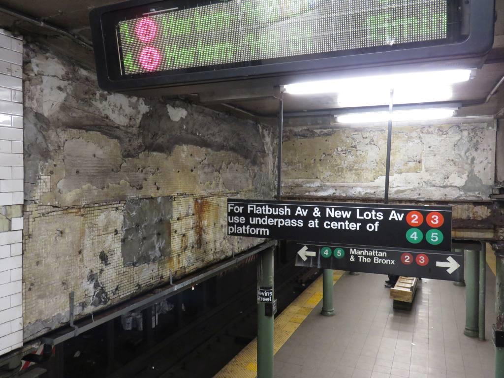 (138k, 1024x768)<br><b>Country:</b> United States<br><b>City:</b> New York<br><b>System:</b> New York City Transit<br><b>Line:</b> IRT Brooklyn Line<br><b>Location:</b> Nevins Street <br><b>Photo by:</b> Robbie Rosenfeld<br><b>Date:</b> 3/1/2017<br><b>Viewed (this week/total):</b> 4 / 1107