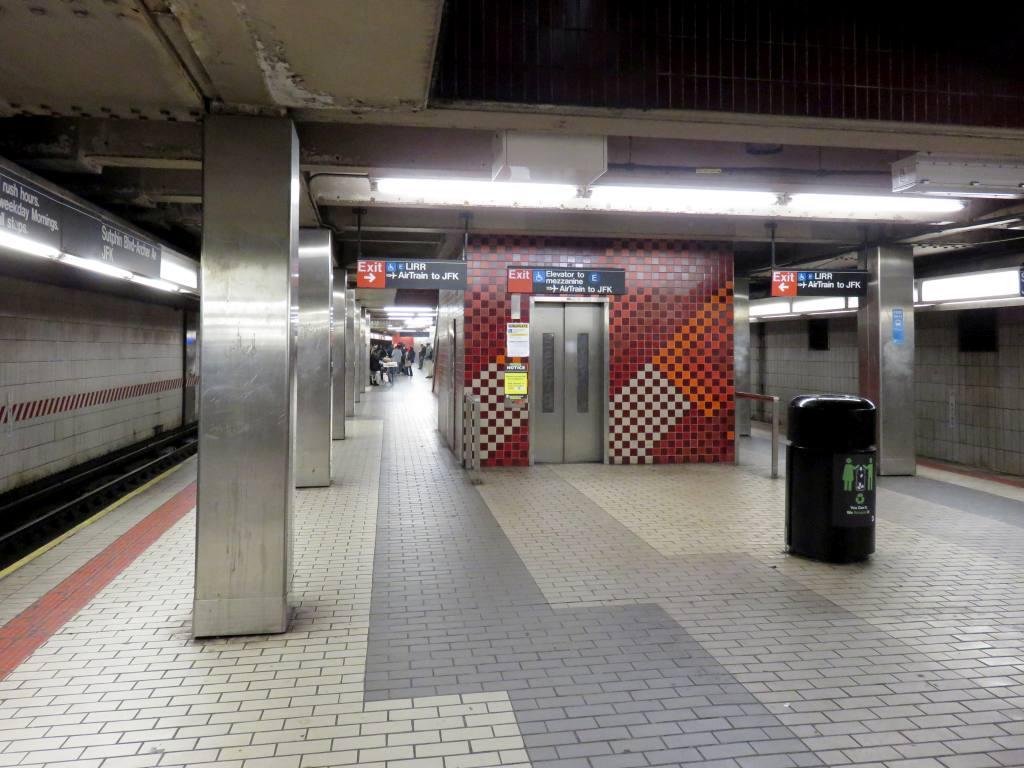 (120k, 1024x768)<br><b>Country:</b> United States<br><b>City:</b> New York<br><b>System:</b> New York City Transit<br><b>Line:</b> BMT Nassau Street/Jamaica Line<br><b>Location:</b> Sutphin Blvd.-Archer Ave./JFK <br><b>Photo by:</b> Robbie Rosenfeld<br><b>Date:</b> 2/23/2017<br><b>Viewed (this week/total):</b> 3 / 697