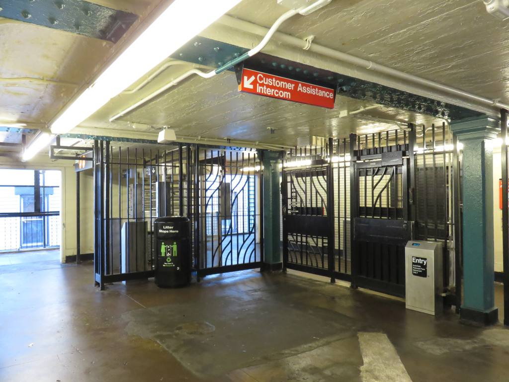 (131k, 1024x768)<br><b>Country:</b> United States<br><b>City:</b> New York<br><b>System:</b> New York City Transit<br><b>Line:</b> BMT Nassau Street-Jamaica Line<br><b>Location:</b> Woodhaven Boulevard<br><b>Photo by:</b> Robbie Rosenfeld<br><b>Date:</b> 2/23/2017<br><b>Viewed (this week/total):</b> 1 / 627