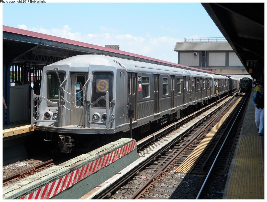 (381k, 1044x788)<br><b>Country:</b> United States<br><b>City:</b> New York<br><b>System:</b> New York City Transit<br><b>Line:</b> BMT Brighton Line<br><b>Location:</b> Brighton Beach <br><b>Route:</b> Museum Train Service<br><b>Car:</b> R-40 (St. Louis, 1968)  4280 <br><b>Photo by:</b> Bob Wright<br><b>Date:</b> 6/25/2016<br><b>Viewed (this week/total):</b> 0 / 521