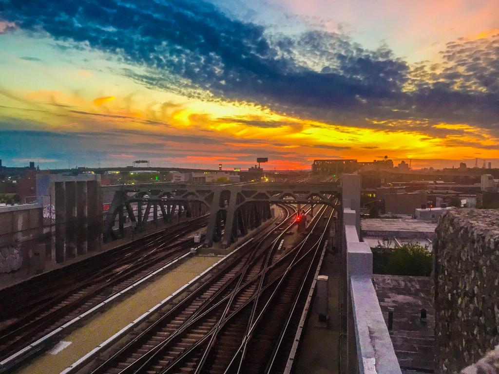 (409k, 1024x768)<br><b>Country:</b> United States<br><b>City:</b> New York<br><b>System:</b> New York City Transit<br><b>Line:</b> IND Crosstown Line<br><b>Location:</b> 4th Avenue <br><b>Photo by:</b> John Dooley<br><b>Date:</b> 5/11/2017<br><b>Notes:</b> Sunset view.<br><b>Viewed (this week/total):</b> 3 / 848
