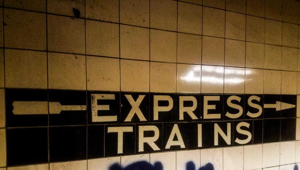 (227k, 1024x583)<br><b>Country:</b> United States<br><b>City:</b> New York<br><b>System:</b> New York City Transit<br><b>Line:</b> IND Crosstown Line<br><b>Location:</b> Bergen Street-Lower Level<br><b>Photo by:</b> John Dooley<br><b>Date:</b> 5/20/2017<br><b>Notes:</b> Express trains sign.<br><b>Viewed (this week/total):</b> 1 / 709