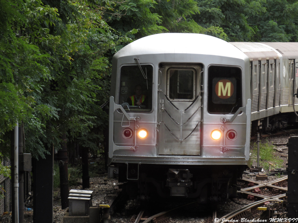 (404k, 1024x768)<br><b>Country:</b> United States<br><b>City:</b> New York<br><b>System:</b> New York City Transit<br><b>Line:</b> BMT Myrtle Avenue Line<br><b>Location:</b> Metropolitan Avenue <br><b>Route:</b> M shuttle<br><b>Car:</b> R-42 (St. Louis, 1969-1970)   <br><b>Photo by:</b> Jordan Blackshear<br><b>Date:</b> 9/2/2017<br><b>Viewed (this week/total):</b> 5 / 816