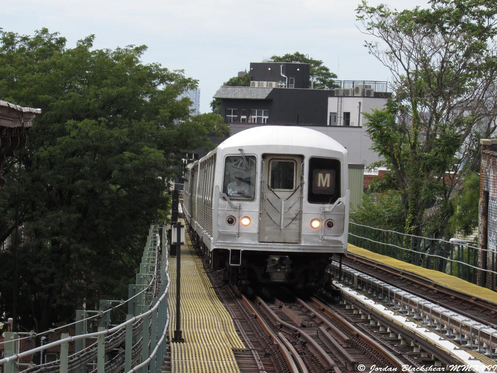(478k, 1024x768)<br><b>Country:</b> United States<br><b>City:</b> New York<br><b>System:</b> New York City Transit<br><b>Line:</b> BMT Myrtle Avenue Line<br><b>Location:</b> Forest Avenue <br><b>Route:</b> M shuttle<br><b>Car:</b> R-42 (St. Louis, 1969-1970)   <br><b>Photo by:</b> Jordan Blackshear<br><b>Date:</b> 9/2/2017<br><b>Viewed (this week/total):</b> 7 / 699