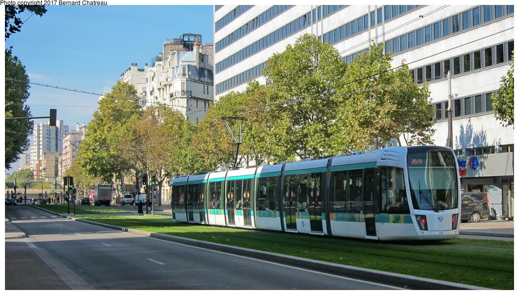 (339k, 1044x594)<br><b>Country:</b> France<br><b>City:</b> Paris<br><b>System:</b> RATP (Régie Autonome des Transports Parisiens)<br><b>Line:</b> Tram T3A<br><b>Location:</b> Between Didot and Porte de Vanves<br><b>Car:</b> Citadis Low-Floor Type 402 (Alstom, 2006) 302 <br><b>Photo by:</b> Bernard Chatreau<br><b>Date:</b> 10/18/2010<br><b>Viewed (this week/total):</b> 0 / 52