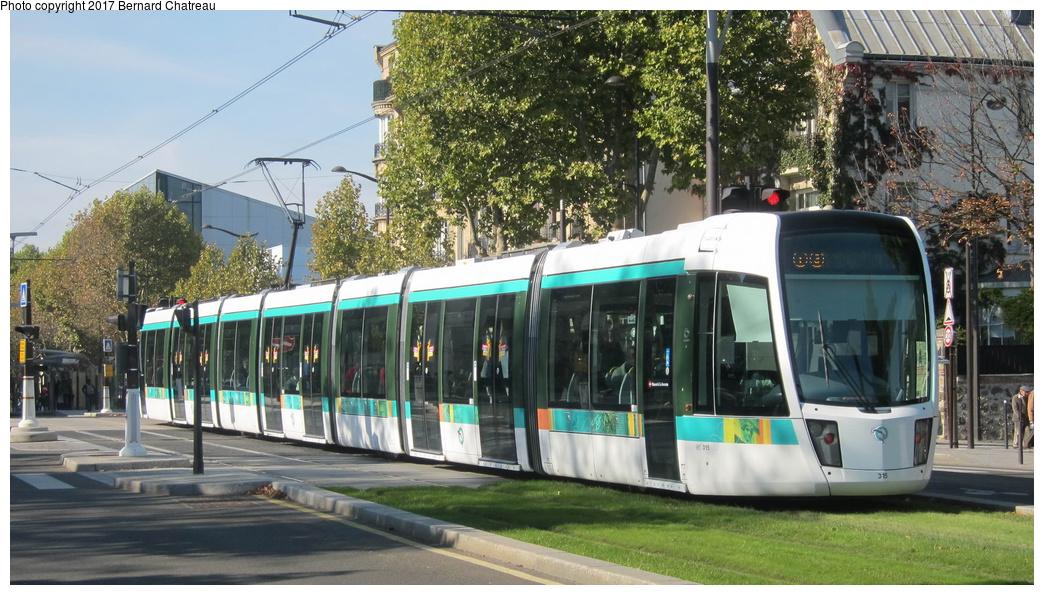 (318k, 1044x595)<br><b>Country:</b> France<br><b>City:</b> Paris<br><b>System:</b> RATP (Régie Autonome des Transports Parisiens)<br><b>Line:</b> Tram T3A<br><b>Location:</b> Between Cité Universitaire and Montsouris<br><b>Car:</b> Citadis Low-Floor Type 402 (Alstom, 2006) 315 <br><b>Photo by:</b> Bernard Chatreau<br><b>Date:</b> 10/18/2010<br><b>Viewed (this week/total):</b> 0 / 72