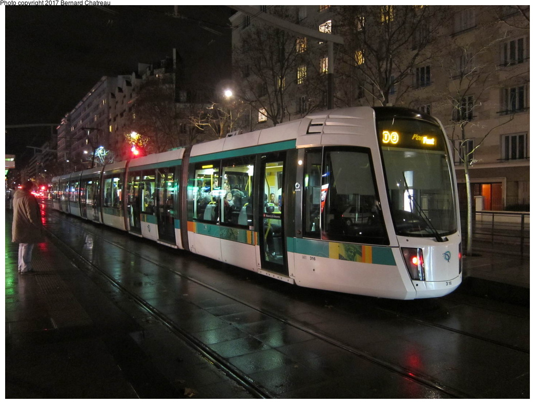 (286k, 1044x788)<br><b>Country:</b> France<br><b>City:</b> Paris<br><b>System:</b> RATP (Régie Autonome des Transports Parisiens)<br><b>Line:</b> Tram T3A <br><b>Location:</b> Brancion <br><b>Car:</b> Citadis Low-Floor Type 402 (Alstom, 2006)  316 <br><b>Photo by:</b> Bernard Chatreau<br><b>Date:</b> 12/3/2011<br><b>Viewed (this week/total):</b> 0 / 87