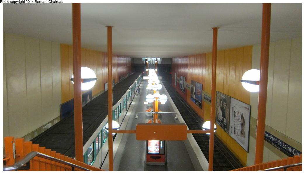 (201k, 1044x595)<br><b>Country:</b> France<br><b>City:</b> Paris<br><b>System:</b> RATP (Régie Autonome des Transports Parisiens)<br><b>Line:</b> Metro Ligne 10<br><b>Location:</b> Boulogne-Pont de Saint-Cloud<br><b>Photo by:</b> Bernard Chatreau<br><b>Date:</b> 1/13/2012<br><b>Viewed (this week/total):</b> 0 / 197