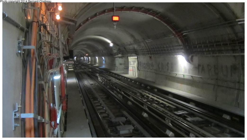 (205k, 1044x595)<br><b>Country:</b> France<br><b>City:</b> Paris<br><b>System:</b> RATP (Régie Autonome des Transports Parisiens)<br><b>Line:</b> Metro Ligne 4<br><b>Location:</b> Mairie de Montrouge <br><b>Photo by:</b> Bernard Chatreau<br><b>Date:</b> 3/26/2013<br><b>Viewed (this week/total):</b> 1 / 165